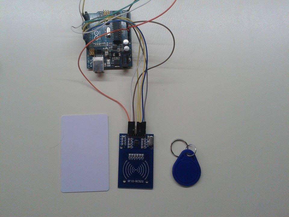 Dom tica lector rc522 m s arduino apertura de puerta rogerbit - Cerraduras electronicas para casa ...